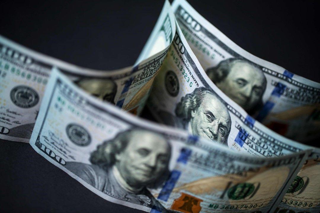 决定性的一周美元作为美联储的会议卢姆斯大