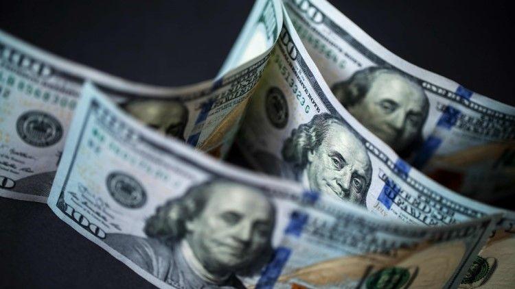 尽管美国经济表现强劲,但美元疲软