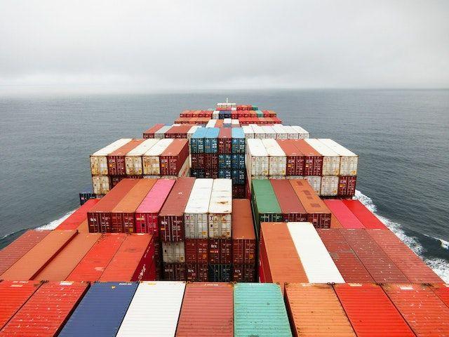 拜登敦促企业打破供应链瓶颈 - 拜登宣布洛杉矶港24小时全天运营,大型零售商/物流公司配合延长